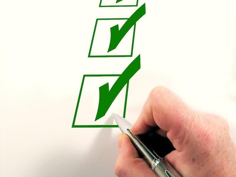 pen-checklist-hand